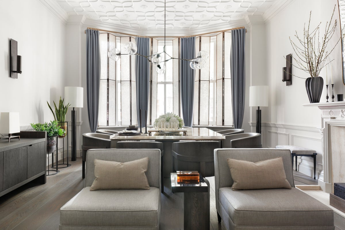 Kensington house by janine stone co for Interior decorator london