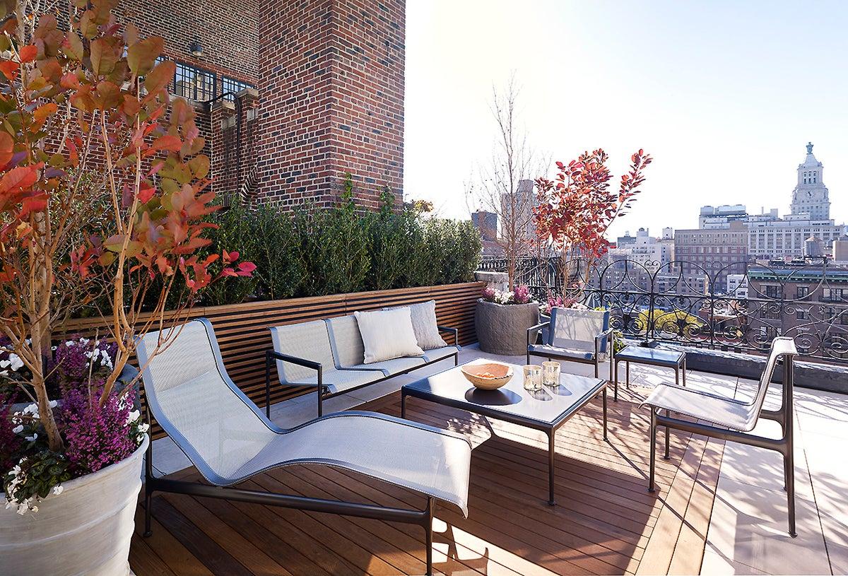 Modern Patio And Deck In Us By Fox Nahem Associates