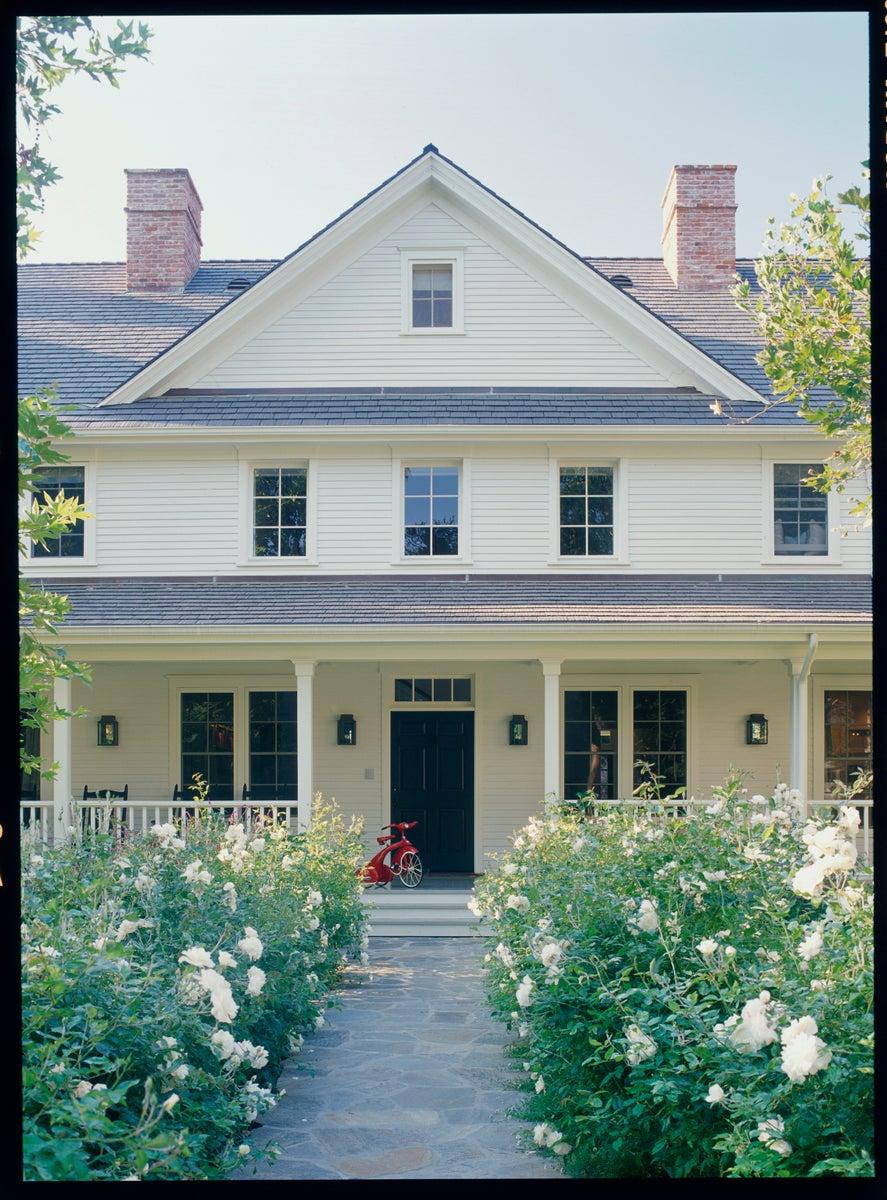 brentwood farmhouse by thomas callaway associates