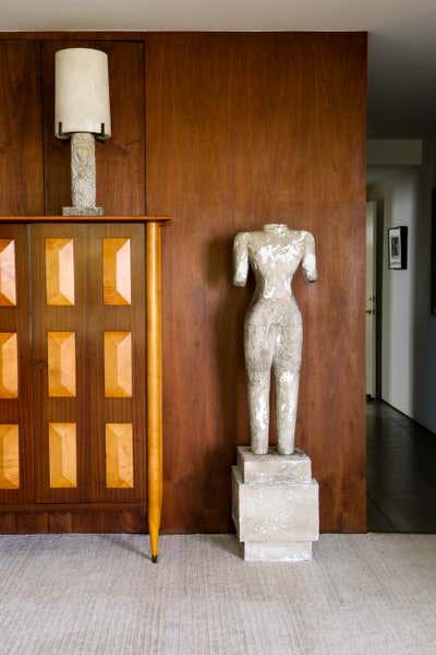 Contemporary Entry and Hall. Laguna by Matt Blacke Inc.