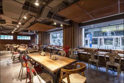 Industrial Restaurant Open Plan. Mamá Framboise by Coppel Design.