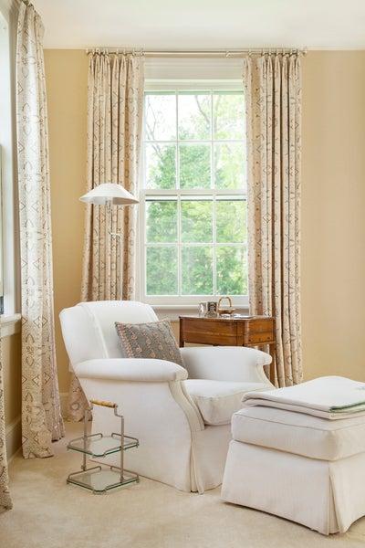 Charlotte Barnes Interior Design - Connecticut Historic Federal