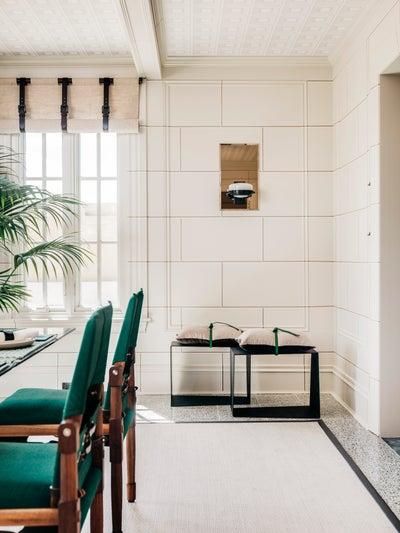 ECHE - The Breakfast Room