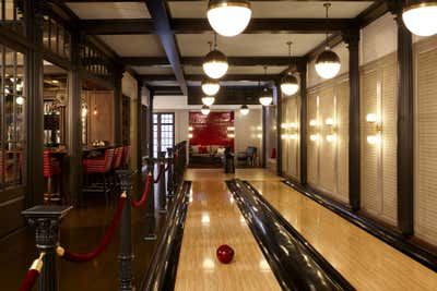 Traditional Bar and Game Room. Entertainment Room by Heather Wells Inc.