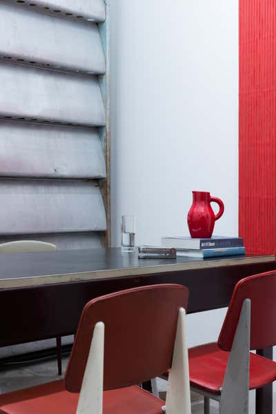 Contemporary Office and Study. Tina Kim Gallery Offices and Viewing Room by Charlap Hyman & Herrero.