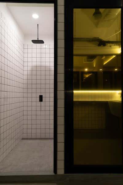 Healthcare Bathroom. Crubox Singapore by Cream Pie Pte. Ltd..