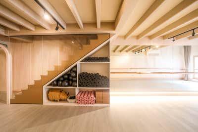 Healthcare Storage Room and Closet. Barre Lab Duxton by Cream Pie Pte. Ltd..