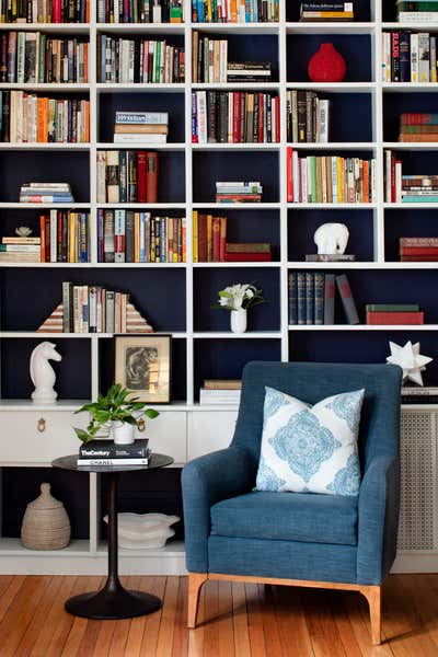Transitional Living Room. Ridgedale Project by Laura Hodges Studio.