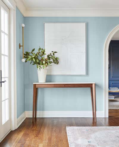 Contemporary Entry and Hall. Greenwich Historic by Chango & Co..