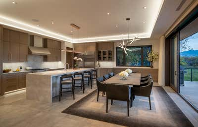 Modern Kitchen. Sunnyside Ridge by Forum Phi Interiors.