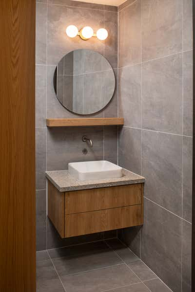 Healthcare Bathroom. 423 Yoga Los Angeles by The Luster Kind.