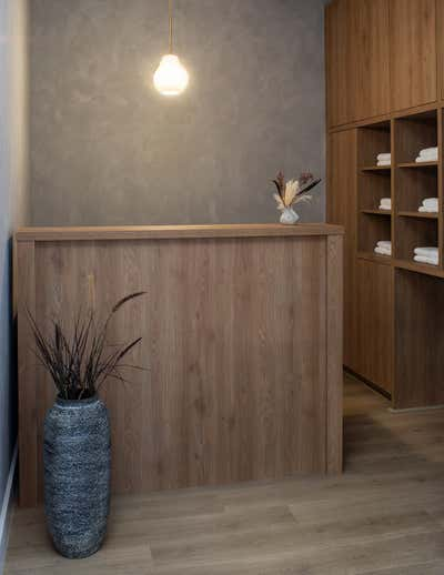 Healthcare Open Plan. 423 Yoga Los Angeles by The Luster Kind.