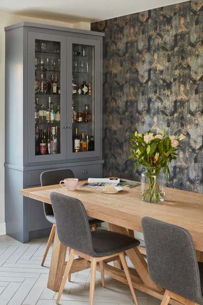 Contemporary Dining Room. Contemporary Family Home by Bayswater Interiors.