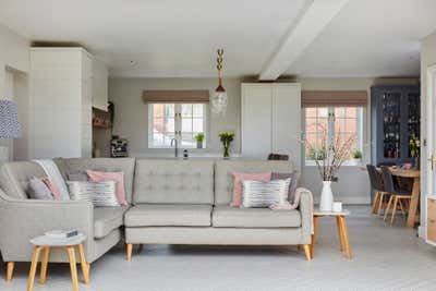 Transitional Family Home Open Plan. Contemporary Family Home by Bayswater Interiors.