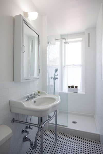 Contemporary Bathroom. Marco's Apartment by Sergio Mannino Studio.