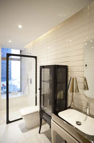 Contemporary Bathroom. Classic Apartment by Sergio Mannino Studio.