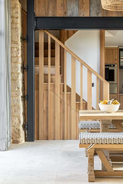 Transitional Country House Open Plan. Dorset Barns by Samantha Todhunter Design Ltd..