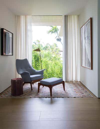 Mid-Century Modern Meeting Room. DILIDO by Sandra Weingort Design & Interiors.