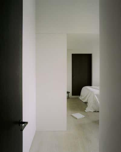 Bachelor Pad Bedroom. Regent's Park Loft by Originate Architects.