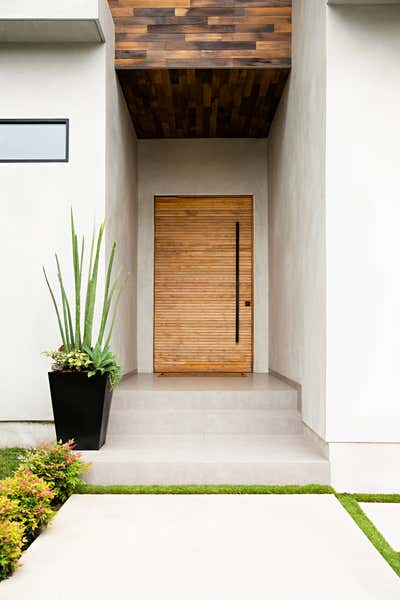 Bachelor Pad Exterior. West Hollywood  by Peti Lau Inc.