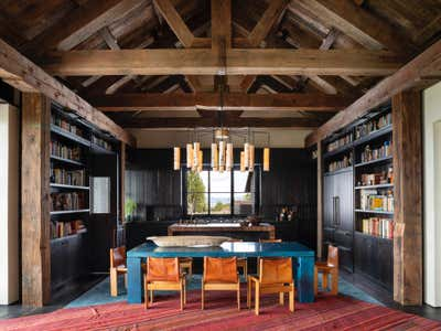 Transitional Family Home Open Plan. Mountain House by Hammer and Spear.