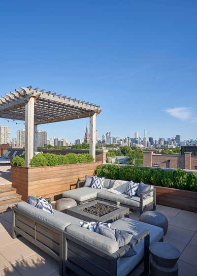 Contemporary Patio and Deck. Lincoln Park II by Studio Gild.