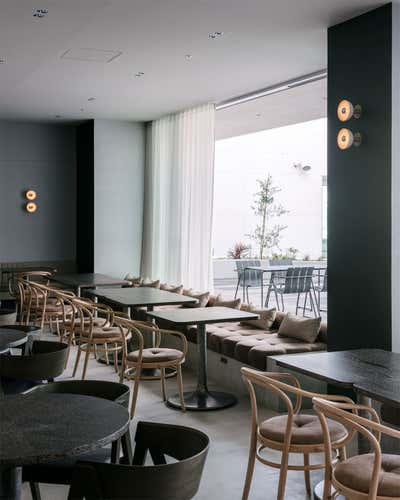 Contemporary Restaurant Dining Room. TAKE RESTAURANT&CAFE by HIROYUKI TANAKA ARCHITECTS.