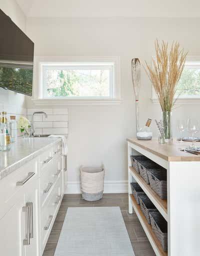 Mediterranean Kitchen. Prettiest Pool House by Fontana & Dames.