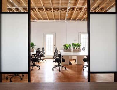 Industrial Workspace. Lofty Newsroom  by Fontana & Dames.