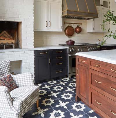 English Country Kitchen. Blackstone by KitchenLab   Rebekah Zaveloff Interiors.