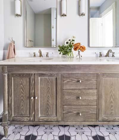 Craftsman Bathroom. Kenilworth by KitchenLab | Rebekah Zaveloff Interiors.