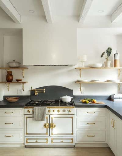 Country Kitchen. Carroll Gardens Townhouse  by The Brooklyn Home Co..