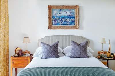 Mid-Century Modern Bedroom. Gasholders by Woolf Interior Architecture & Design.