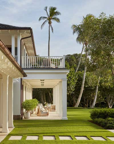 Bohemian Patio and Deck. Family Retreat on Jupiter Island by Ferguson & Shamamian Architects.