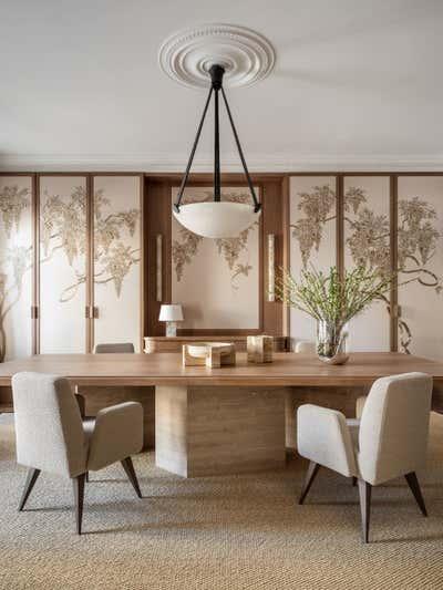 Mid-Century Modern Dining Room. Showroom de Gournay by Irakli Zaria Interiors.