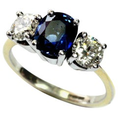 Traditional Diamond and Sapphire Three-Stone Ring 18 Carat White Gold