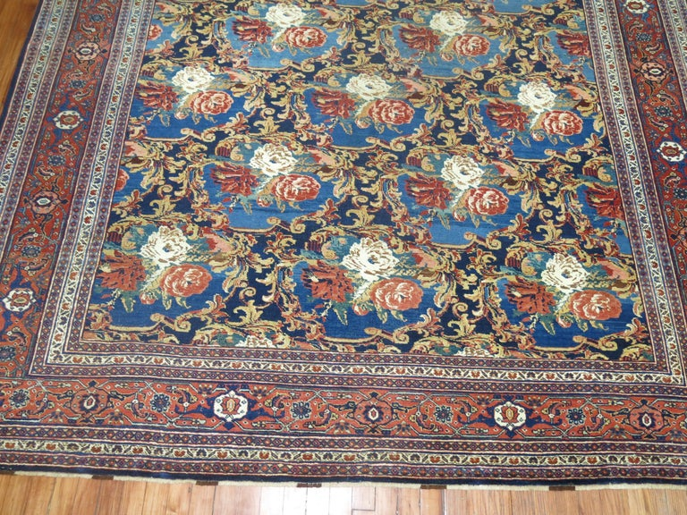 Early 20th Century Traditional Persian Bidjar Floral Rug For Sale