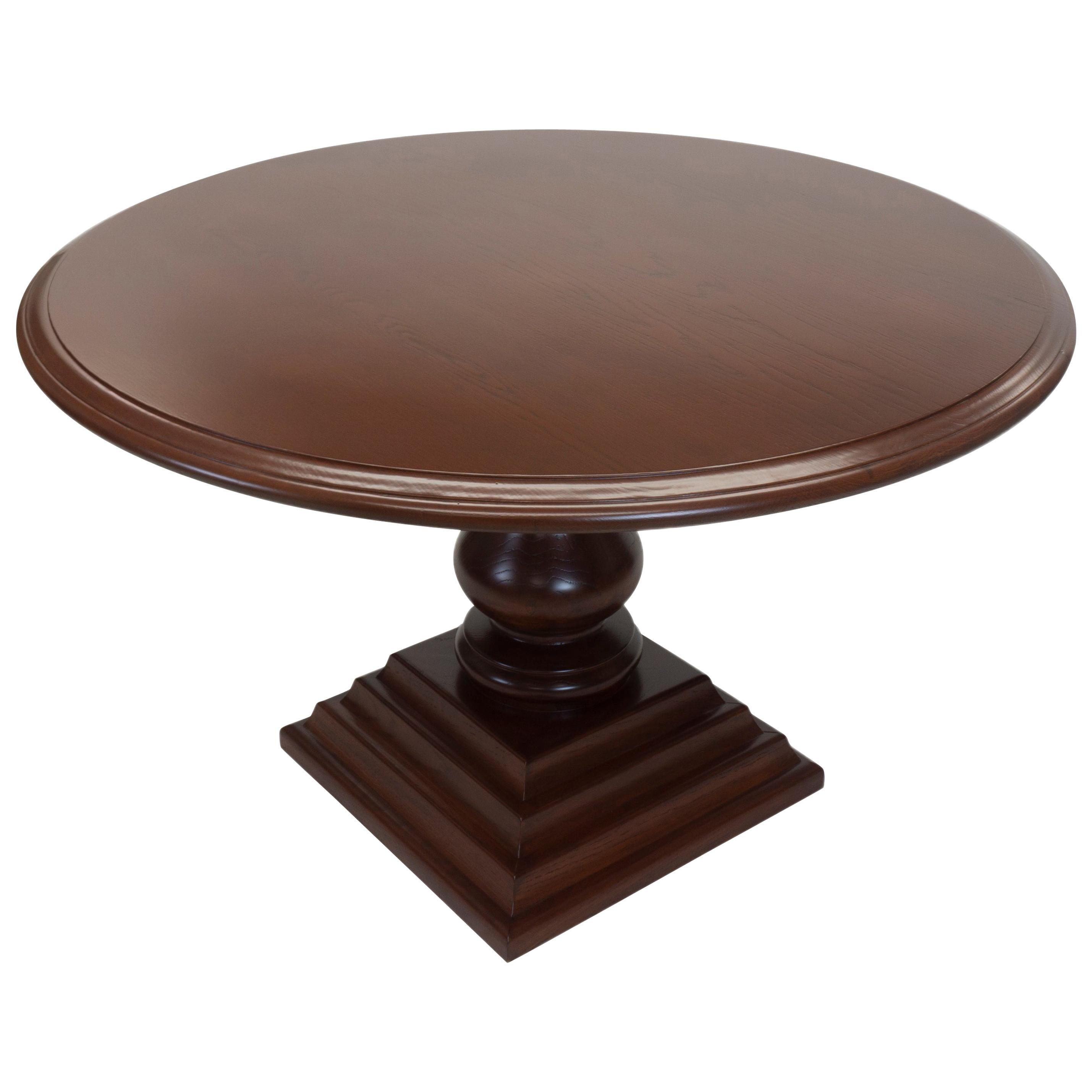 Traditional Round Pedestal Dining Table