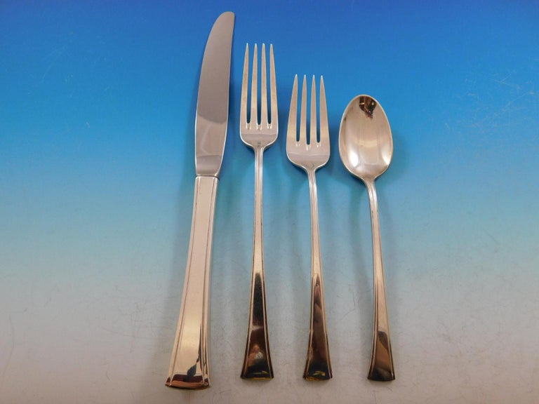 Tranquility by International Sterling Silver Flatware Service Set 40 Pieces In Excellent Condition For Sale In Big Bend, WI