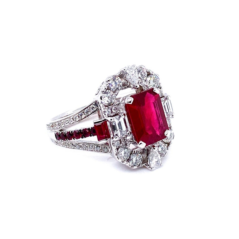 Transformable GRS Certified 'Pigeon's Blood' Ruby Cocktail Ring In New Condition For Sale In Hong Kong, HK