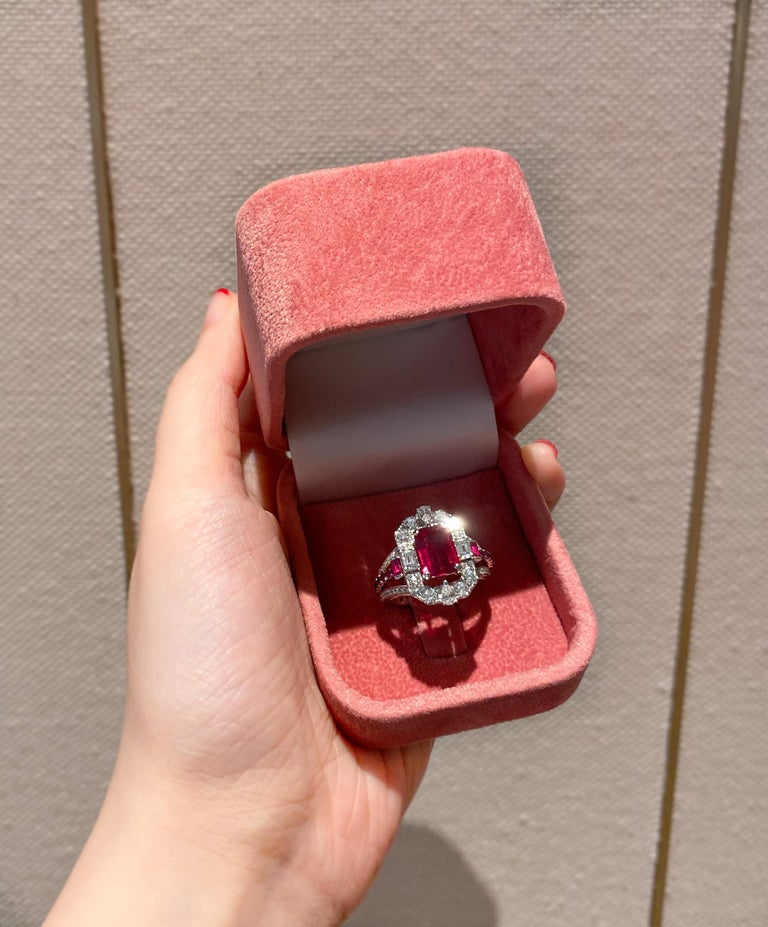 Transformable GRS Certified 'Pigeon's Blood' Ruby Cocktail Ring For Sale 1
