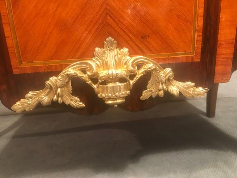 Kingwood Transition Commode, France, 1770 For Sale