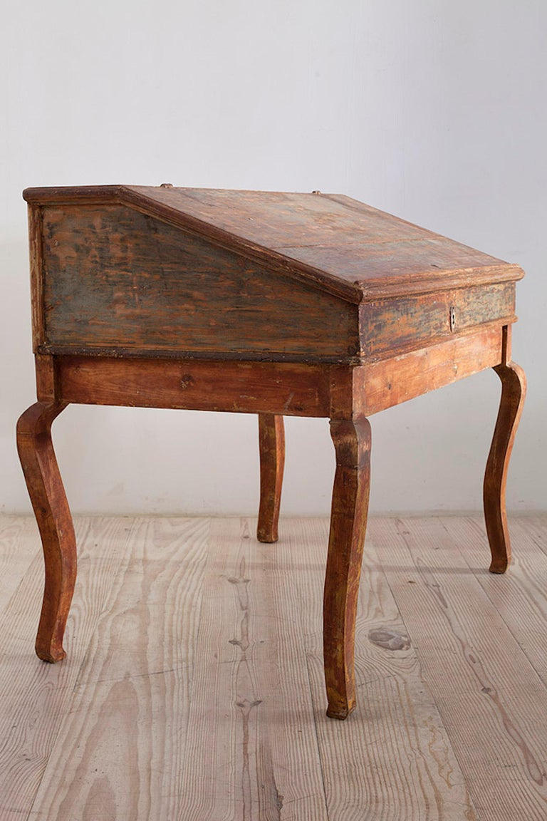 Swedish Transitional Baroque/Rococo Tilt-Top Writing Table, Origin: Sweden, circa 1750 For Sale