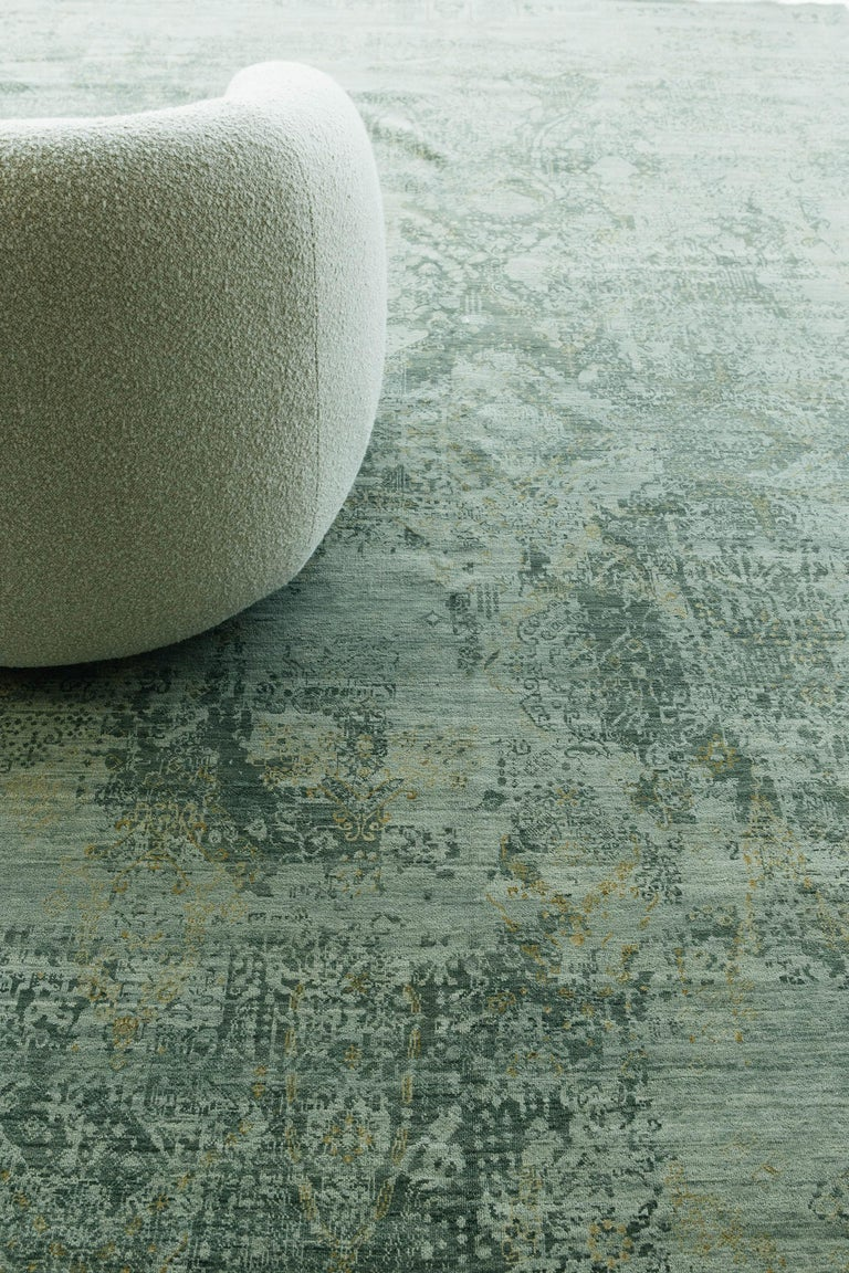 Transitional Design Rug Allure Fiore by Mehraban Rugs For Sale 3