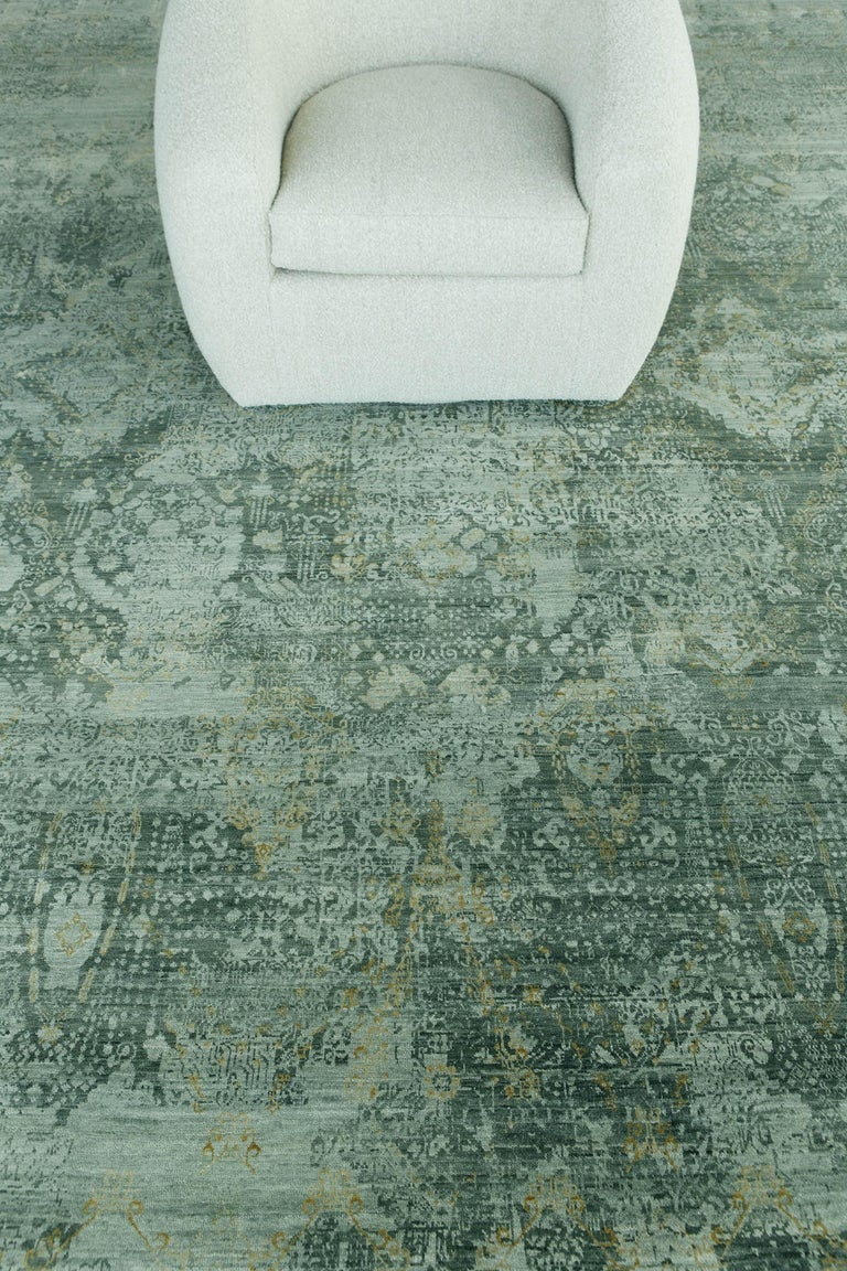 Transitional Design Rug Allure Fiore by Mehraban Rugs For Sale 1