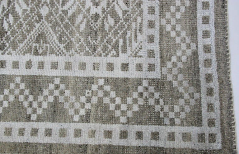 Hand-Knotted Transitional Grey Wool Area Rug For Sale