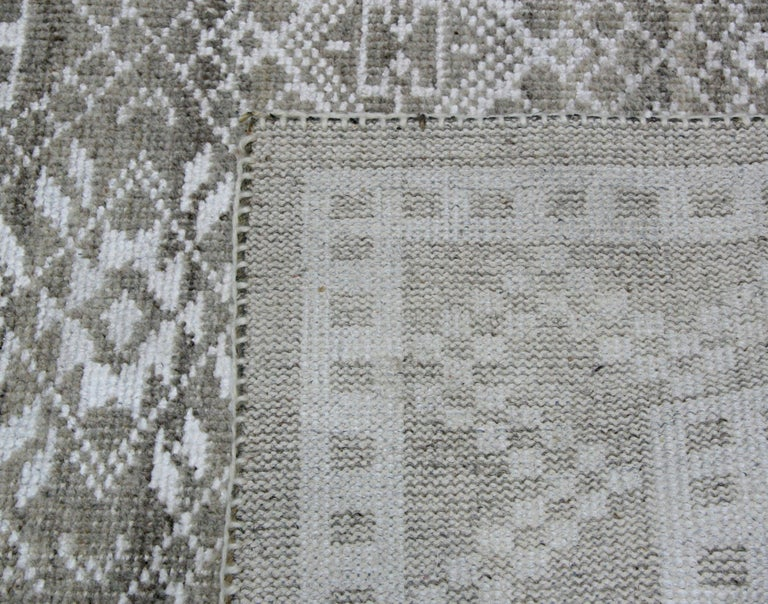 Transitional Grey Wool Area Rug In New Condition For Sale In Los Angeles, CA
