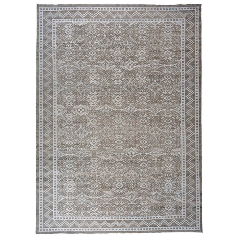 Transitional Grey Wool Area Rug For Sale