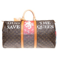 "Travel bag Louis Vuitton Keepall 55 customized ""God save the Queen "" by PatBo!"