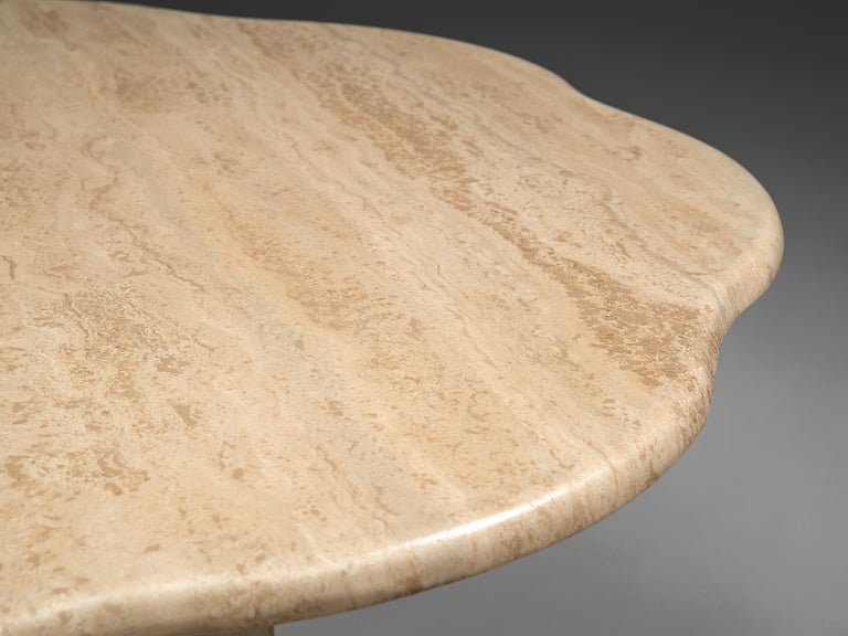Travertine Coffee Table with Floral Shaped Top In Good Condition For Sale In Waalwijk, NL